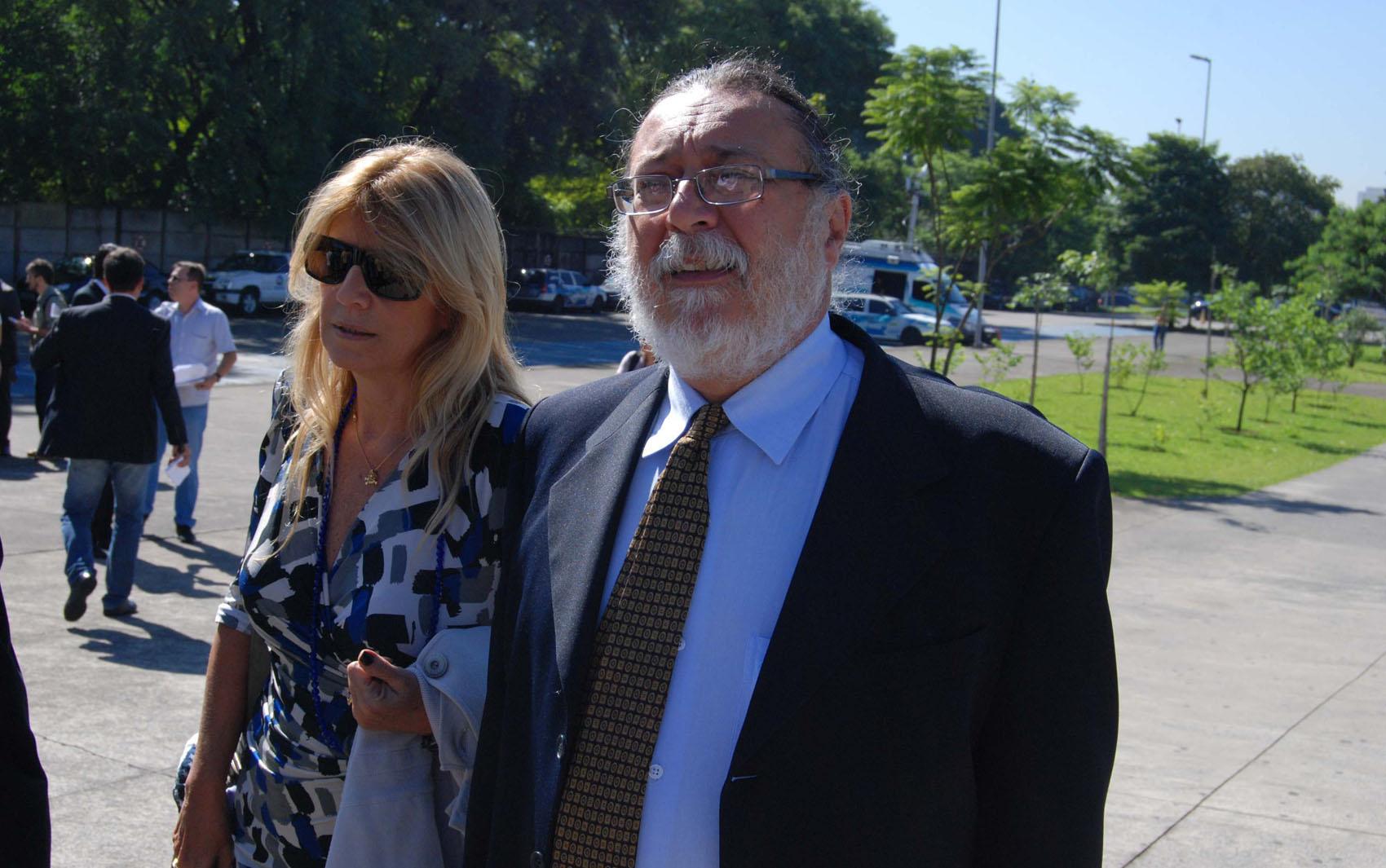 20/2/2013 - O perito Ricardo Molina, durante chegada ao Fórum da Barra Funda em São Paulo (SP), na manhã desta quarta-feira para o 3° dia de julgamento de Gil Rugai