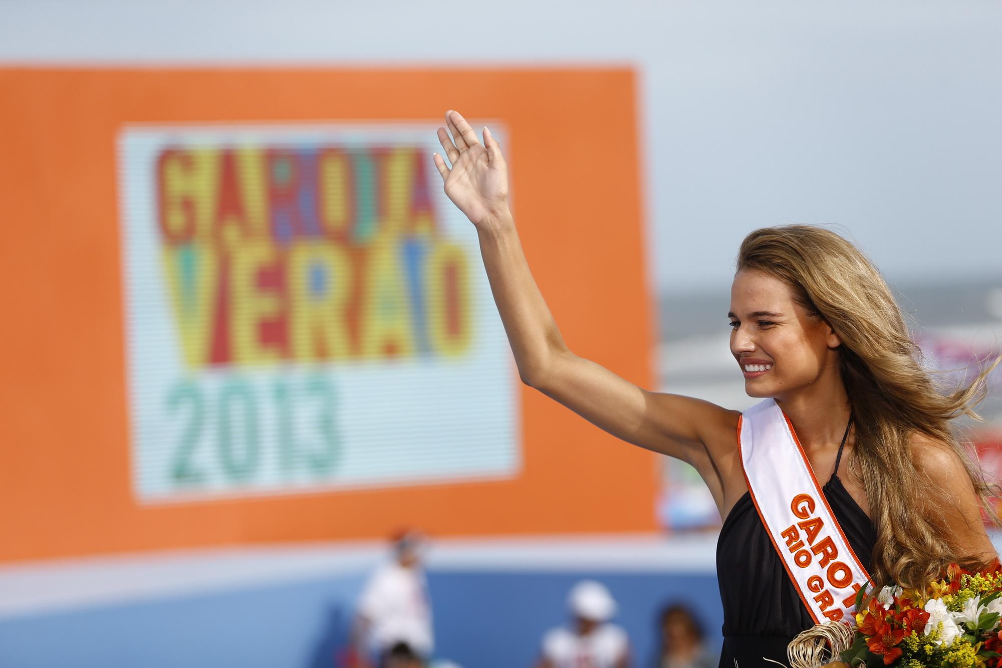 Candidata Caroline Escouto, de Lajeado, é eleita a Garota Verão em Capão da Canoa