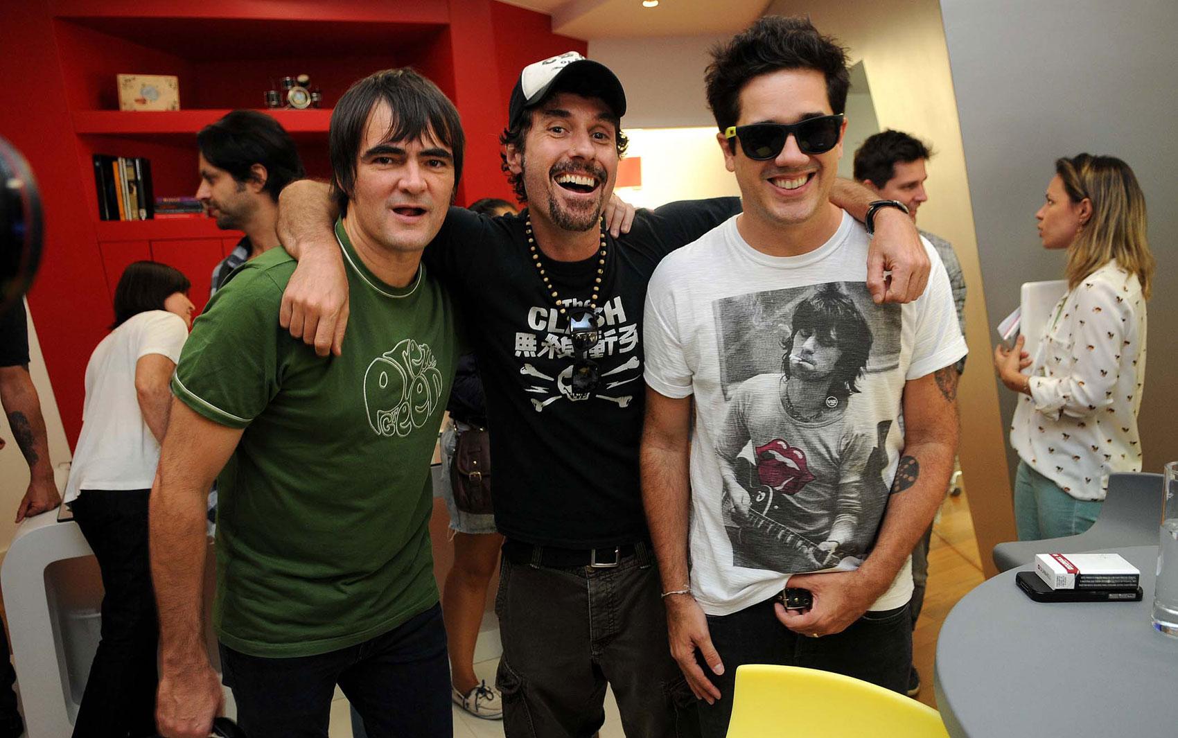 Samuel Rosa, do Skank, Dinho Ouro Preto, do Capital Inicial e Rogério Flausino, do Jota Quest, no anúncio das atrações brasileiras do Rock in Rio 2013