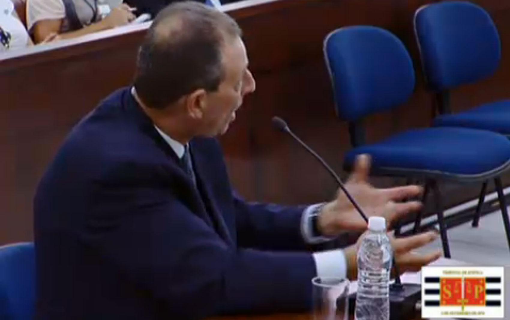 13/03/2013 - O perito Renato Pattoli, que coordenou a emissão de laudos e exames do caso, responde a perguntas do advogado Samir Haddad Jr., representante de Mizael