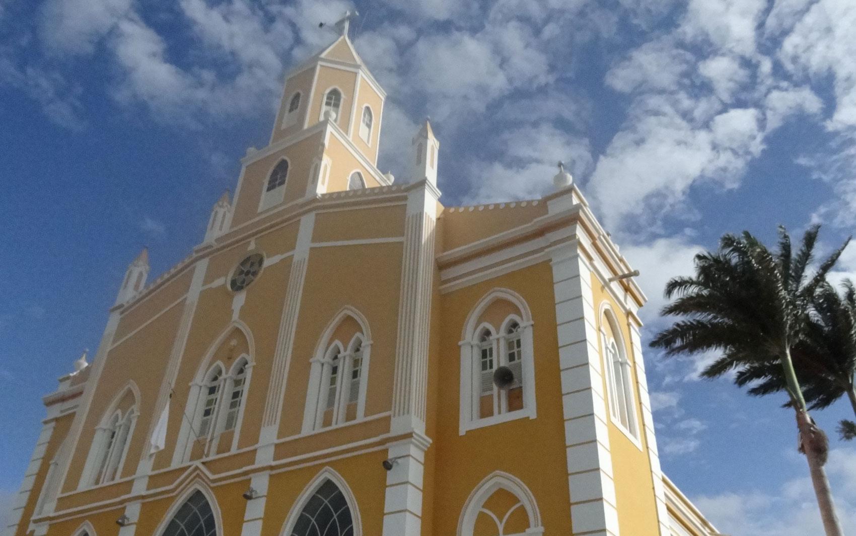 Igreja Matriz de São José do Egito, no Sertão do Pajeú. Cidade está em situação de emergência.