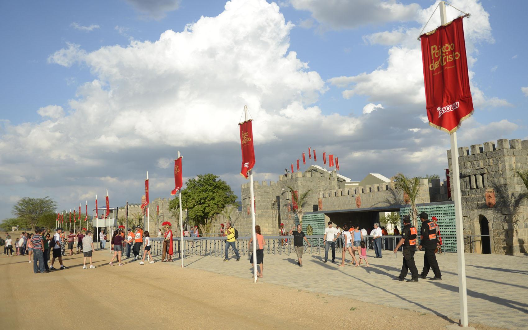 Entrada da cidade teatro de Nova Jerusalém, em Fazenda Nova