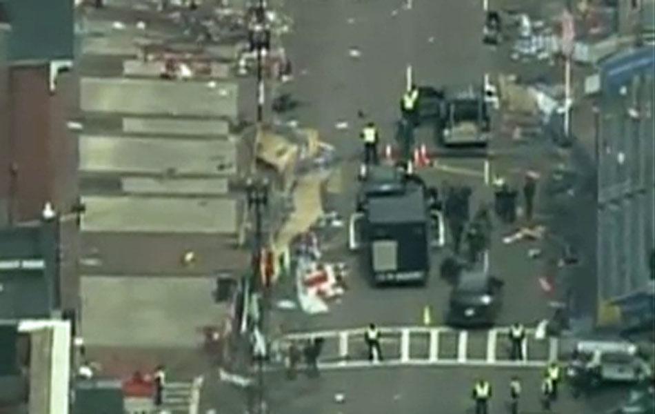 Local de explosão durante maratona de Boston.