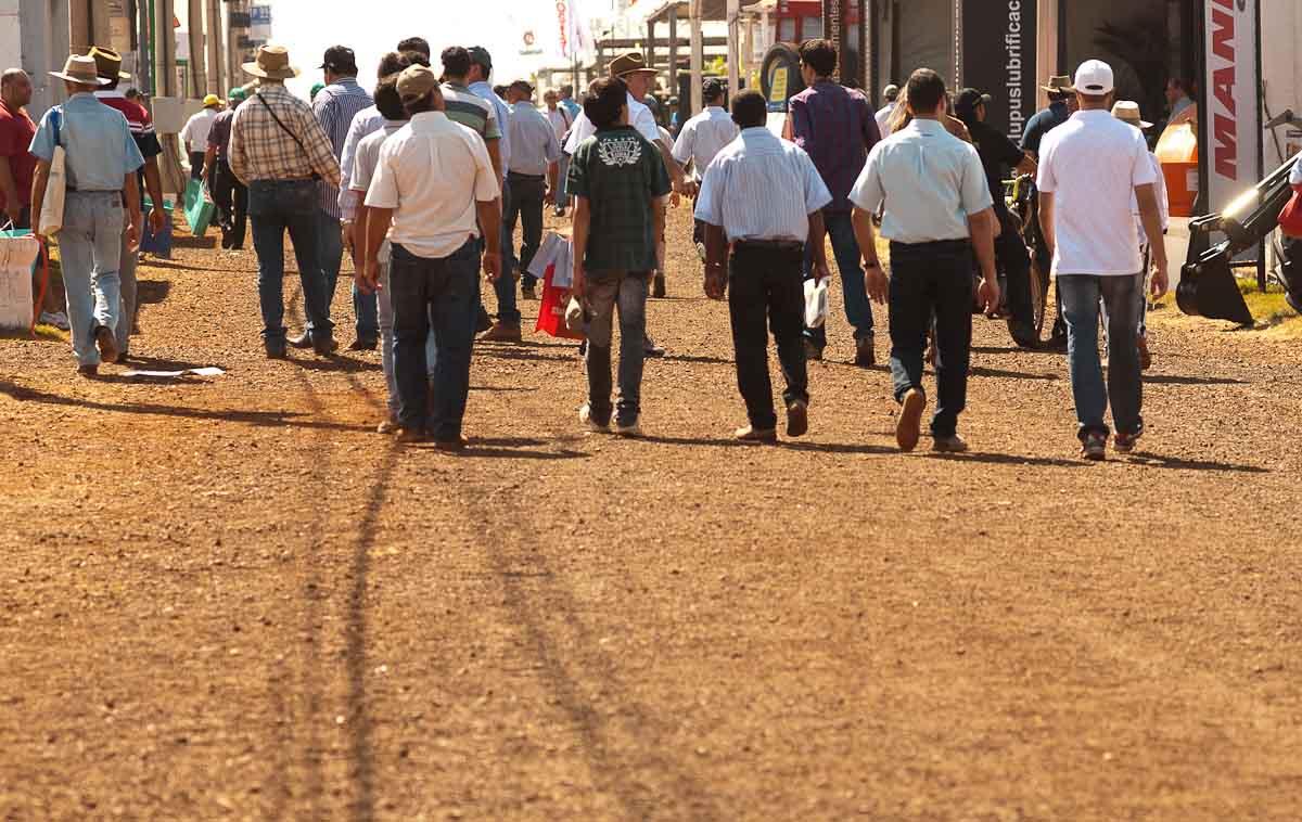 Sexta-feira (3) - Feira internacional de tecnologia agrícola termina nesta sexta-feira (3) em Ribeirão