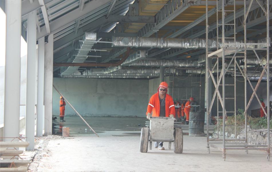 A reforma enfrentou três períodos de chuva diante da escavação do novo estacionamento que deve contar com 1.400 vagas na primeira etapa
