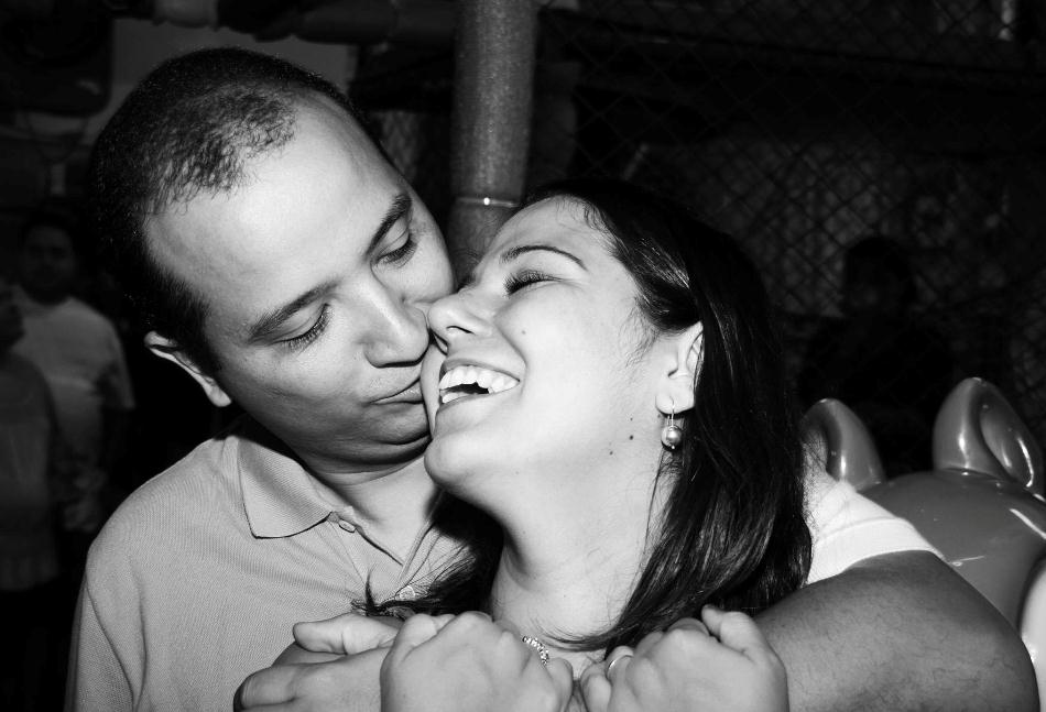 Elisa envia foto de um momento apaixonado com o amado Jorge