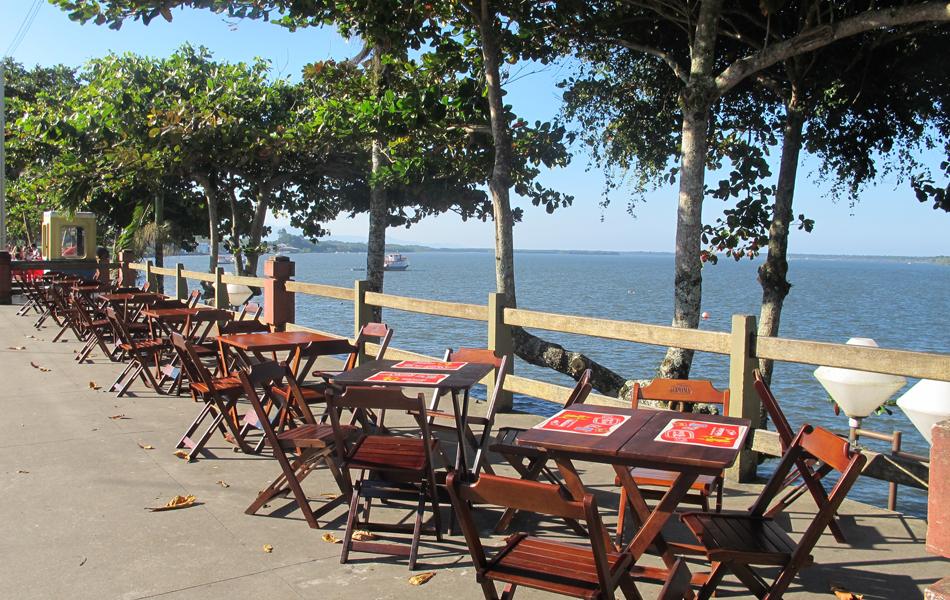 Restaurantes à beira-mar são atrativos turísticos