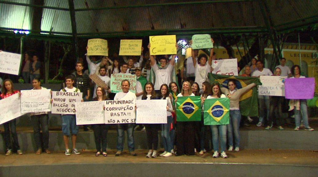 Manifestantes pediram melhorias na área da saúde e da educação