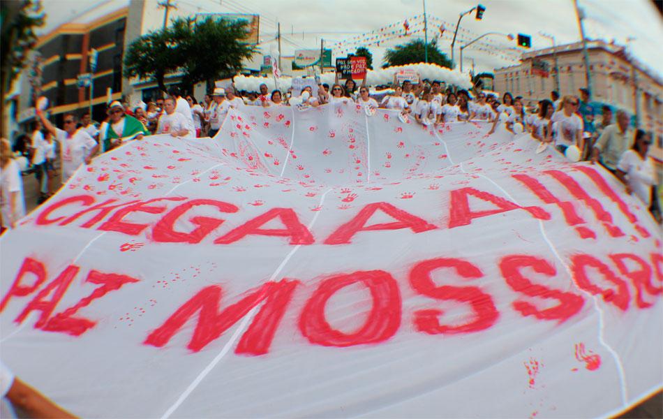 Movimento 'Chegaaa! Paz Mossoró' levou 2 mil pessoas às ruas para protestar contra a violência em Mossoró