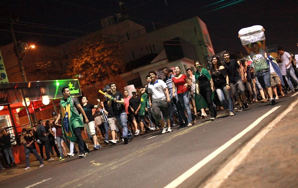Manifestação em Rio Preto teve terceiro ato nesta terça