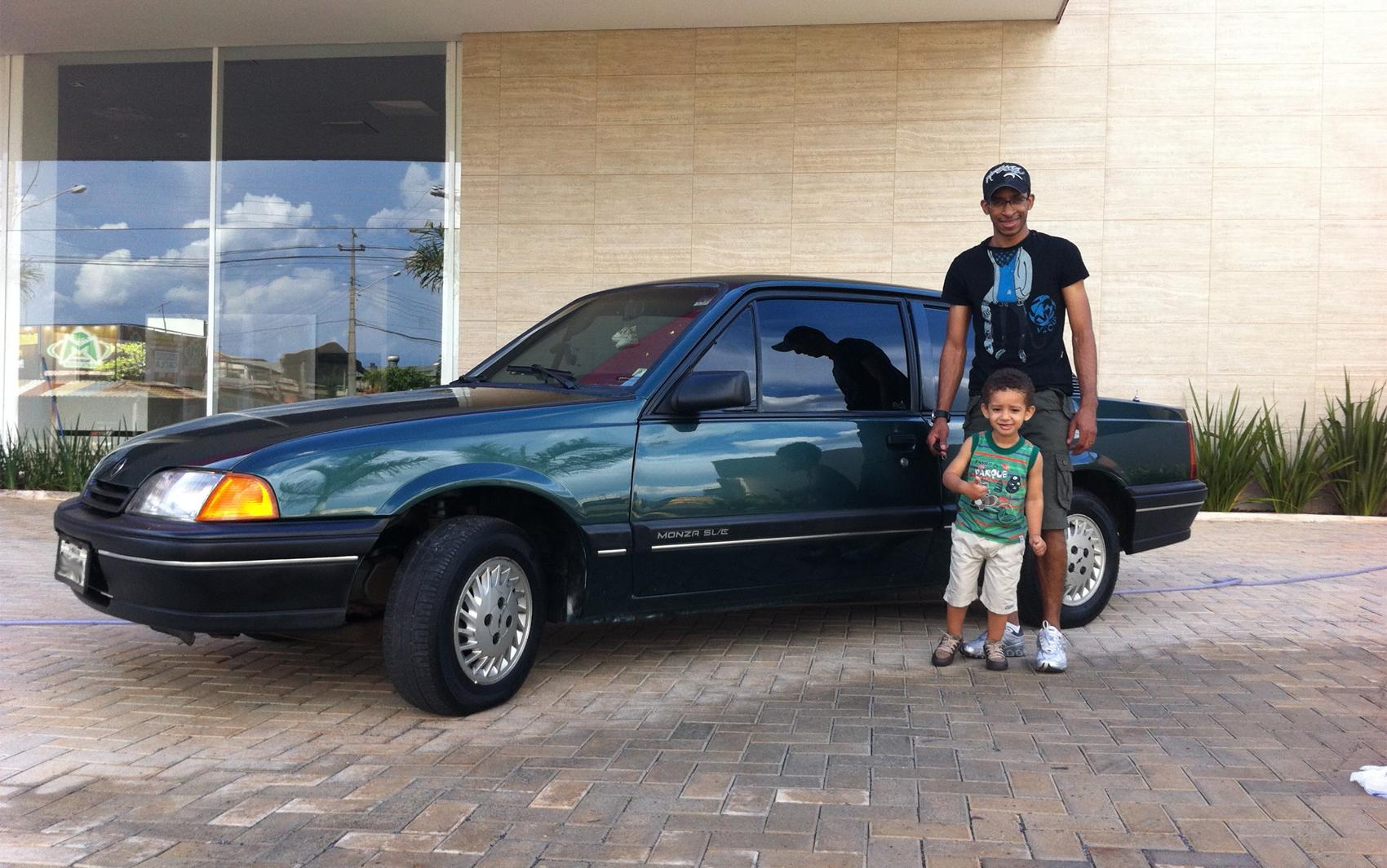 Internauta Júnior Soares, de Águas Lindas de Goiás (GO) enviou a foto de seu Chevrolet Monza 1991