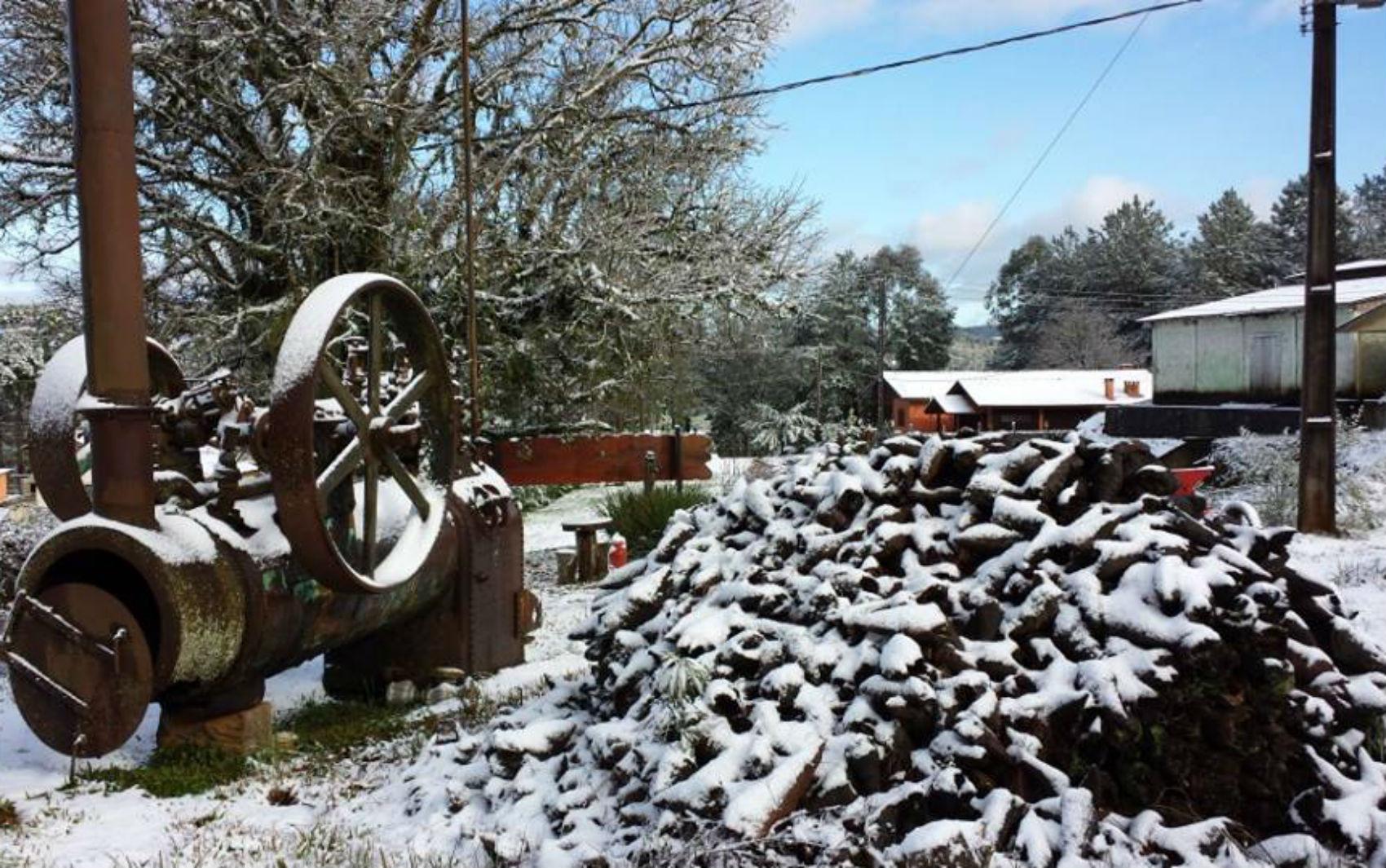 Inácio Martins amanheceu coberta de neve