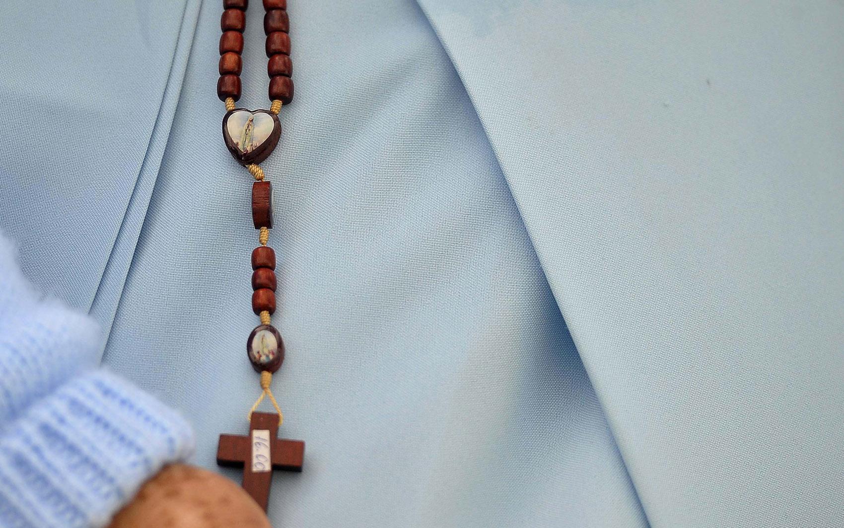 Terço usado por freira durante a Jornada Mundial da Juventude