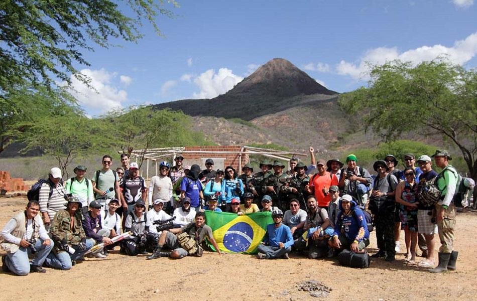 Fotógrafos e ciclistas subiram no Pico do Cabugi, que é o ponto mais alto do Rio Grande do Norte.