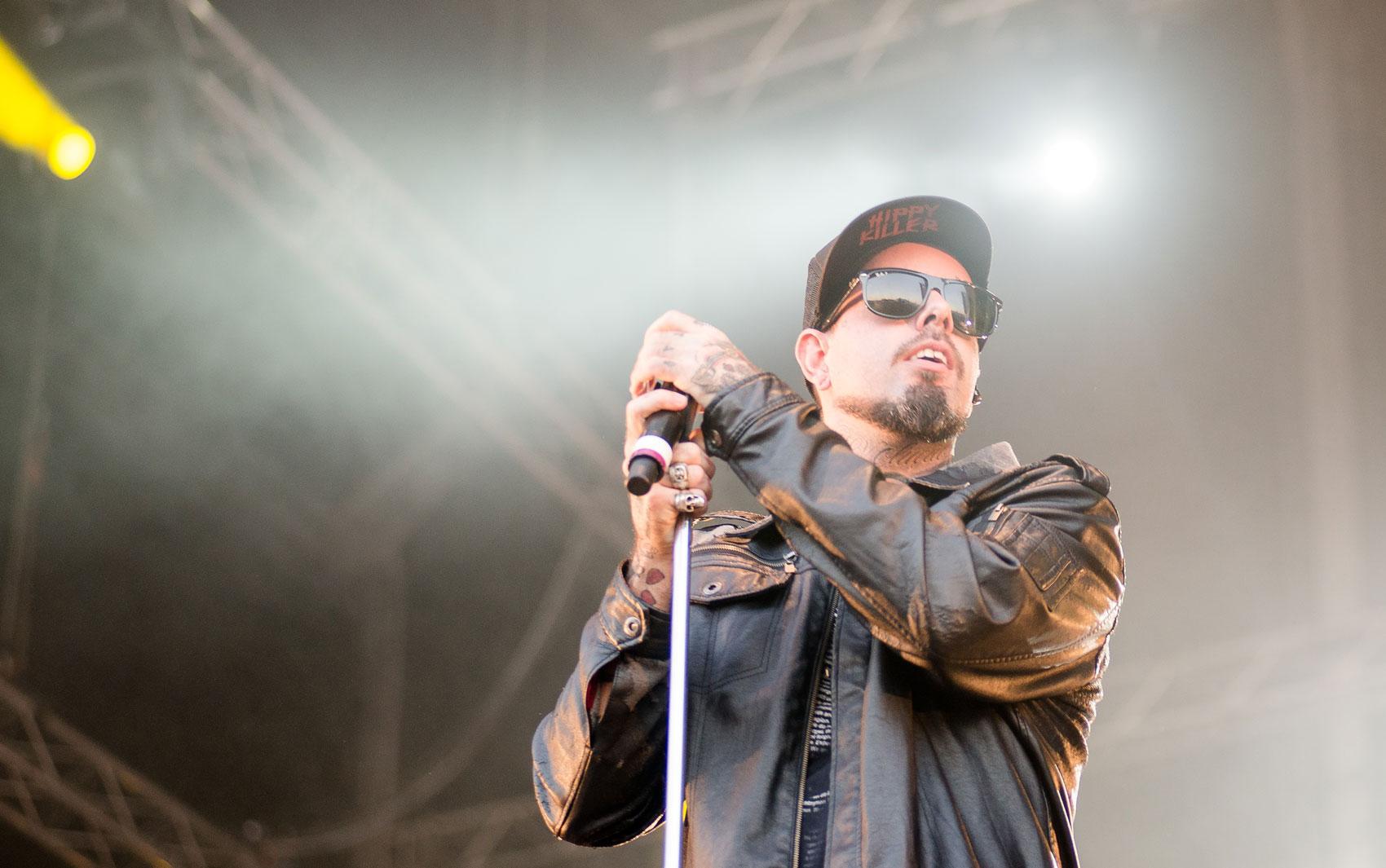 Tico Santa Cruz, do Detonautas, durante o tributo a Raul Seixas no palco Sunset do Rock in Rio 2013