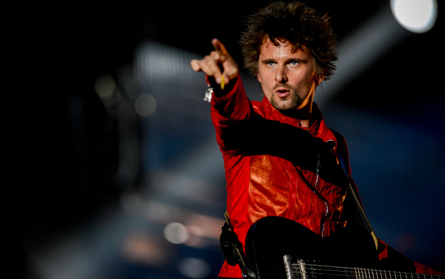 O vocalista Matthew Bellamy durante show do Muse no Palco Mundo