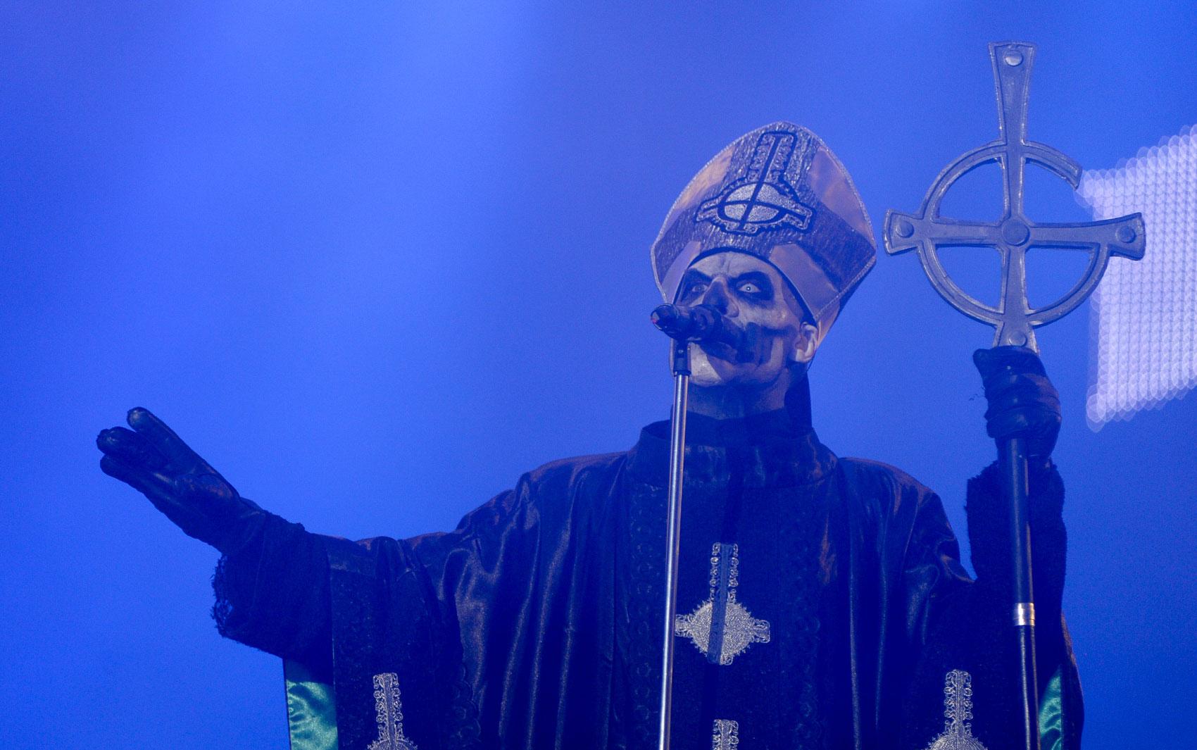 Banda sueca Ghost B.C. é a segunda a tocar no Palco Mundo nesta quinta-feira (19), 4º dia de festival.