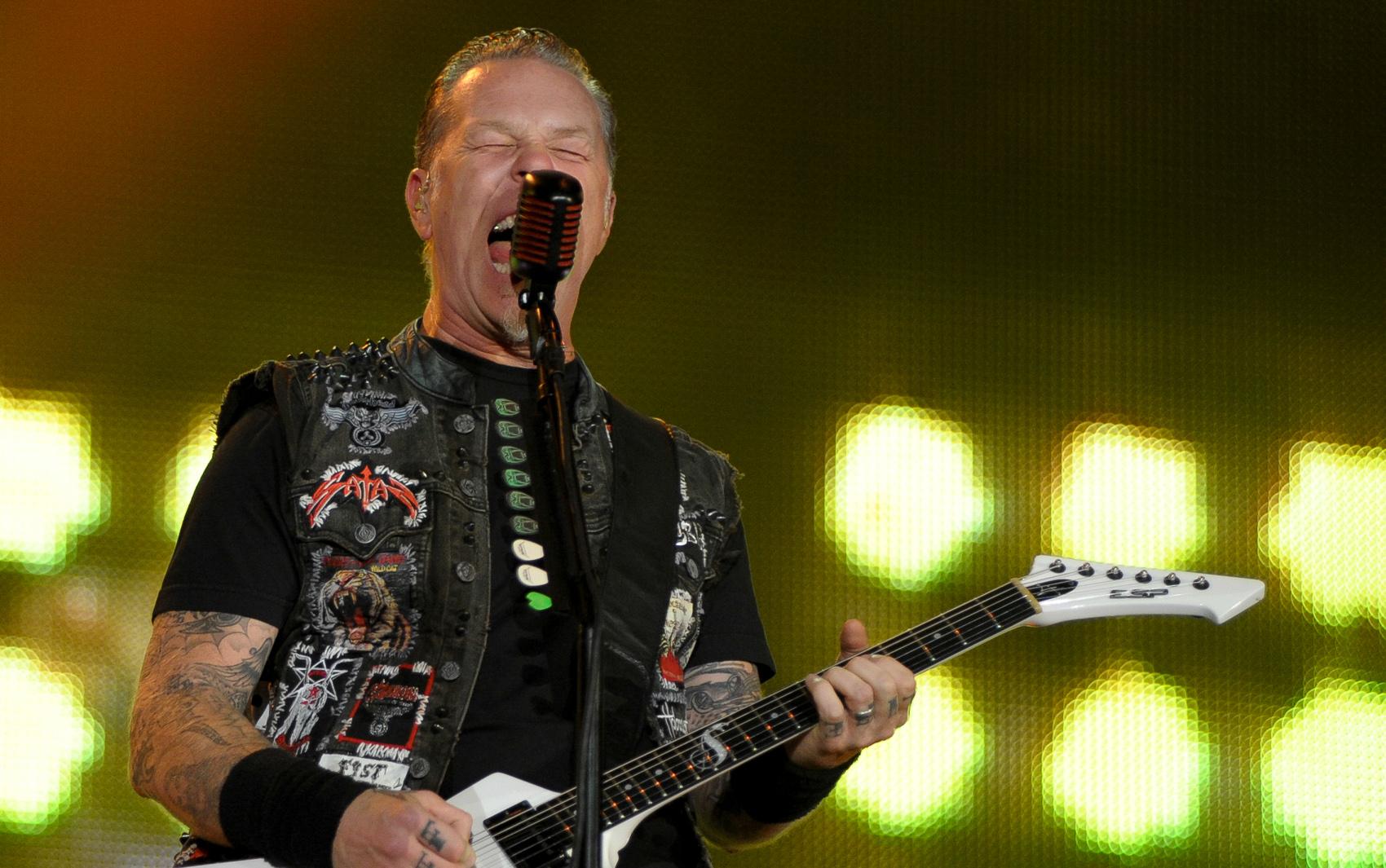 O Metallica é a 4ª banda a se apresentar no Palco Mundo no 4º dia de festival; show começou no início da madrugada desta sexta-feira (20).