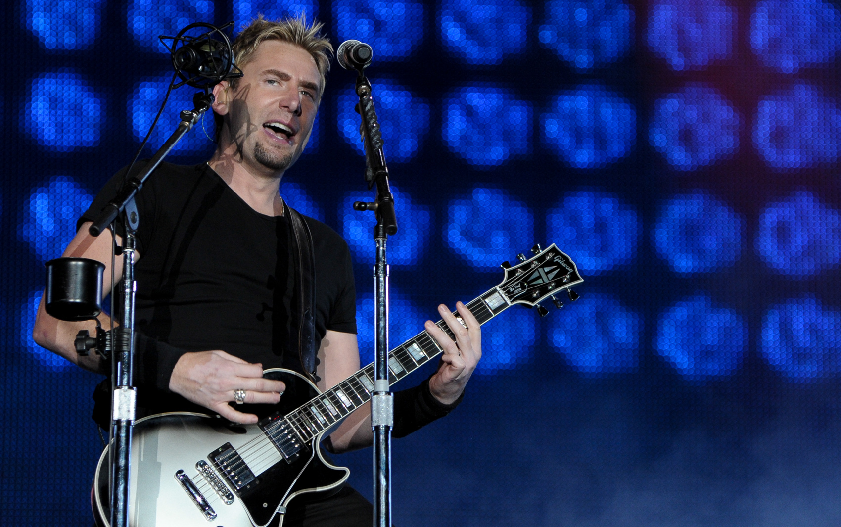 Banda canadense Nickelback é a terceira a se apresentar no Palco Mundo, nesta sexta-feira (20).