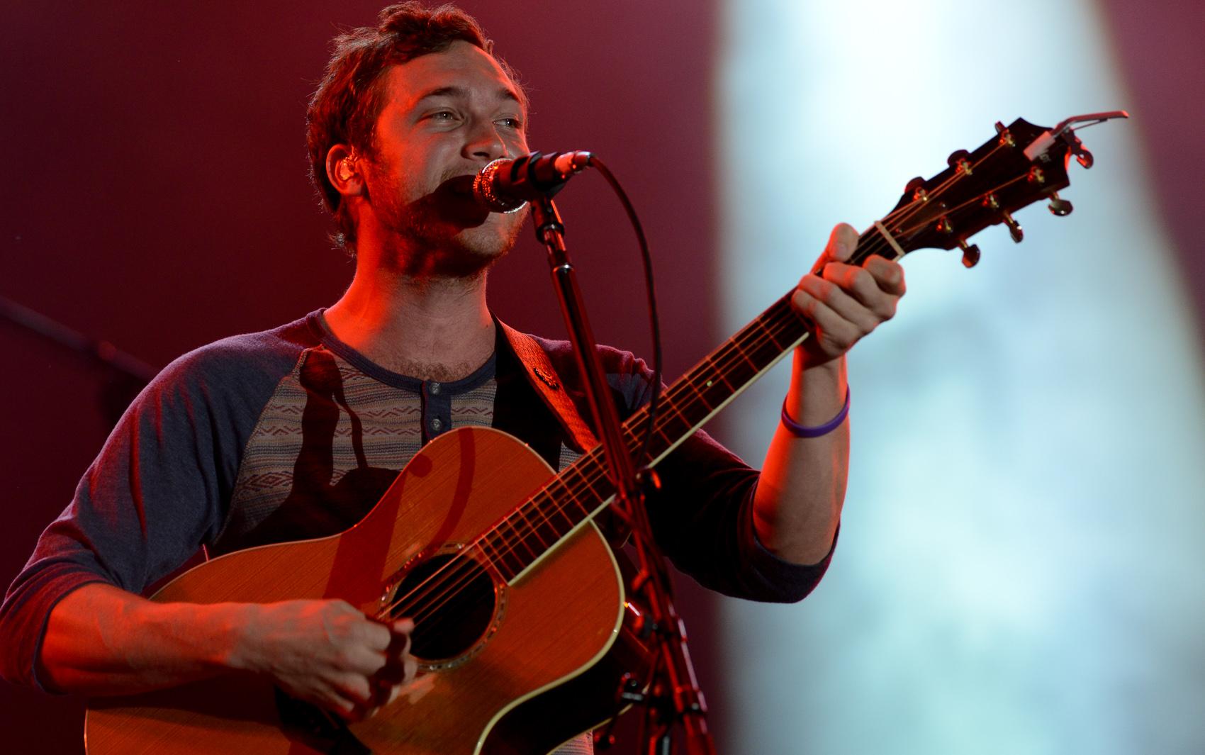 O cantor americano Phillip Phillips se apresenta neste sábado (21), no segundo show do Palco Mundo.