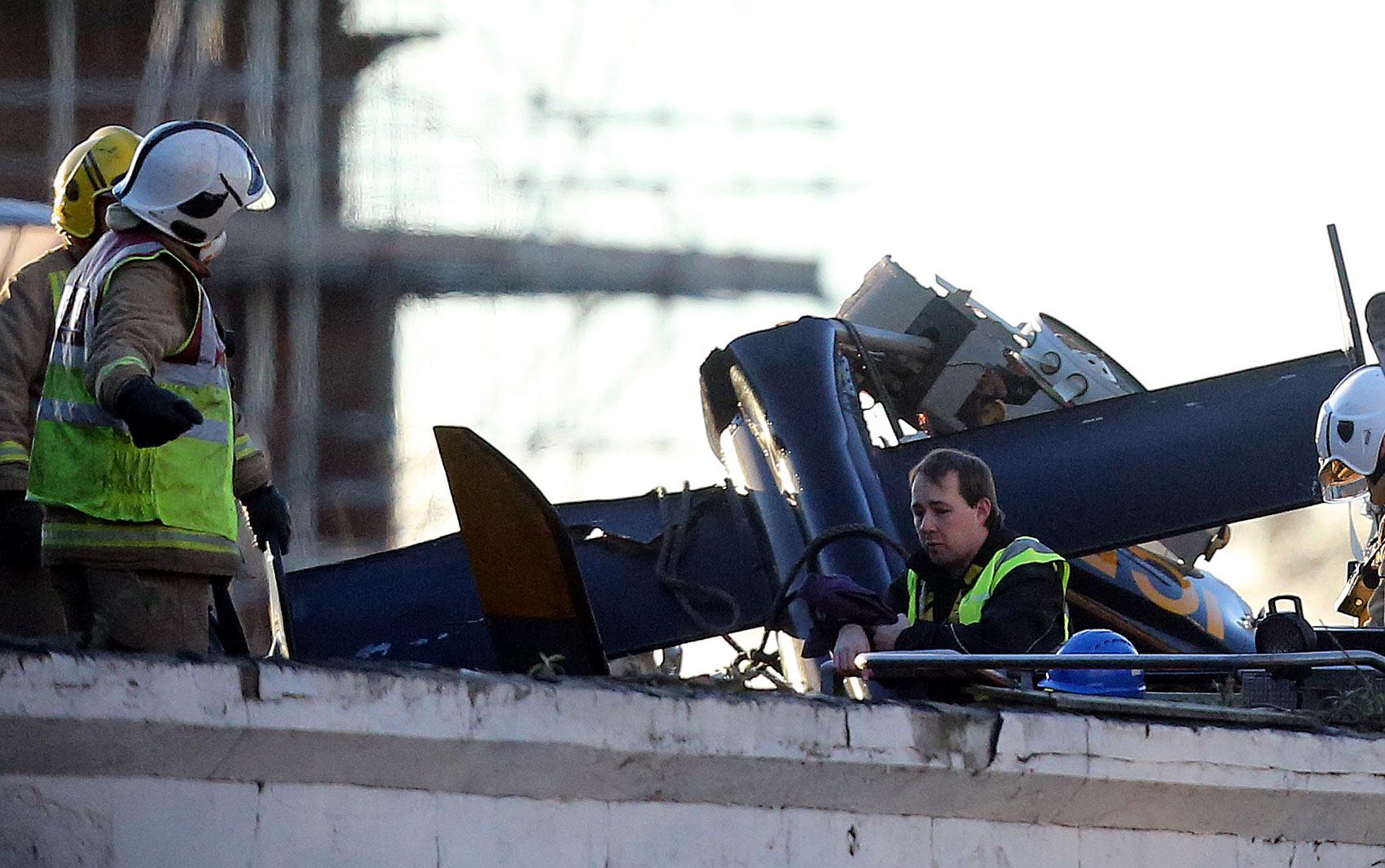 1/12 - Trabalhos de resgate continuavam neste domingo