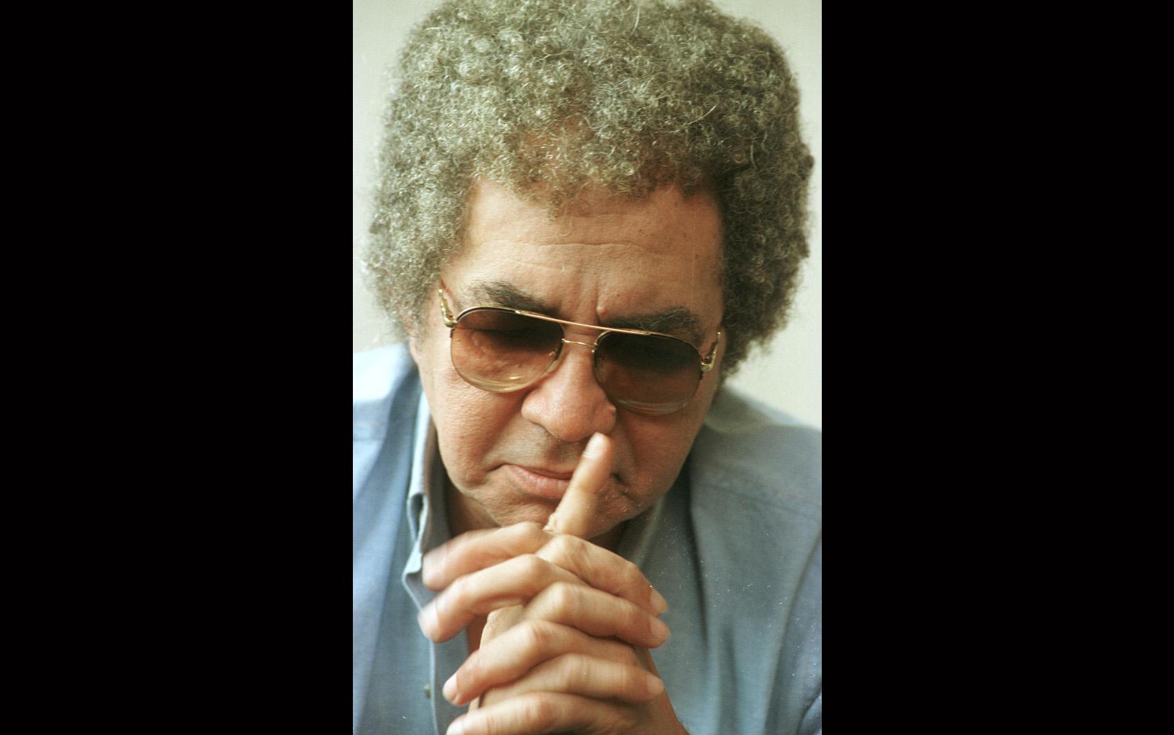 Foto de arquivo de 1999 mostra o cantor Reginaldo Rossi durante entrevista na capital paulista.