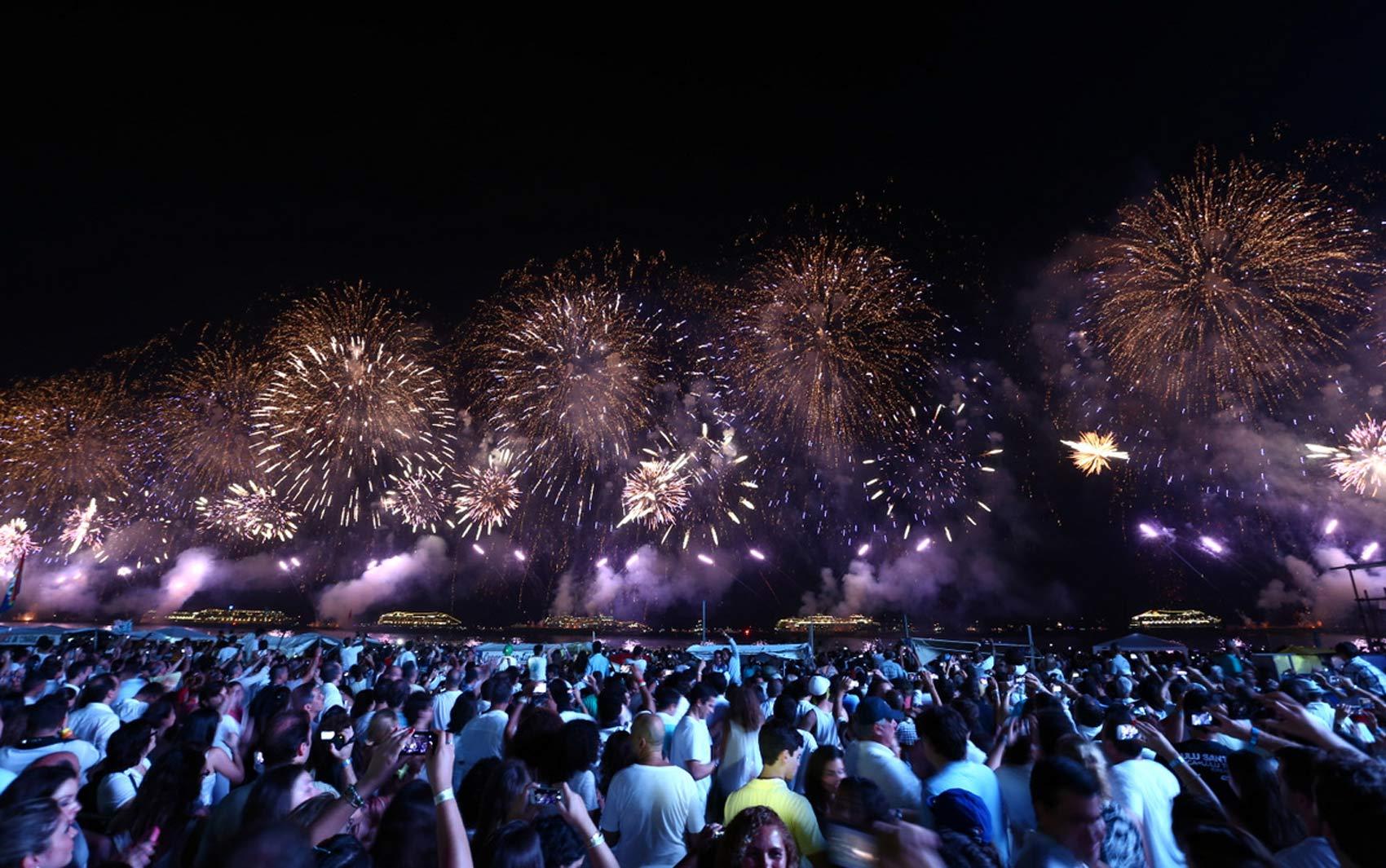 Queima de fogos em Copacabana durou 16 minutos