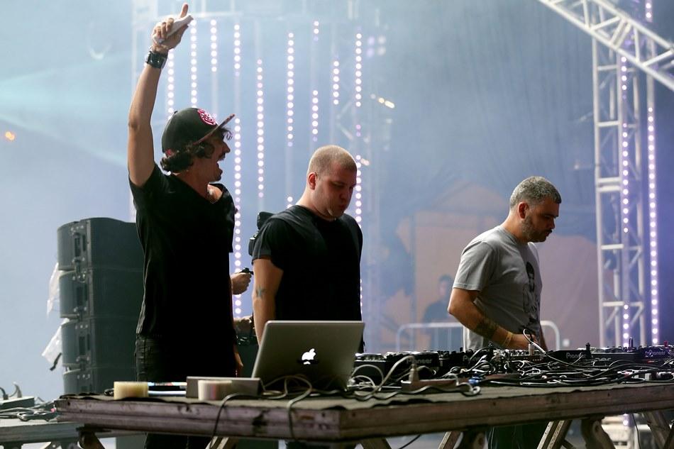 Ask2quit encerrou a primeira noite do Planeta Atlântida com a música eletrônica no palco principal