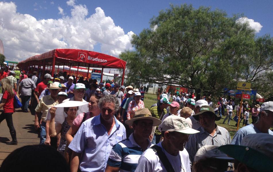 Show Rural já atraiu milhares de pessoas