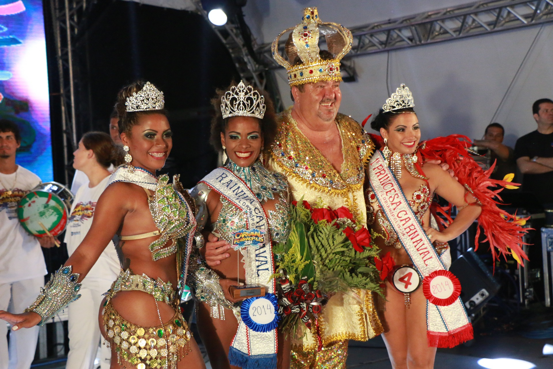 Realeza 2014: 2ª princesa Fernanda Vieira, rainha Letícia Mello, rei momo Hernani Hulk e 1ª princesa Greicy Rodrigues