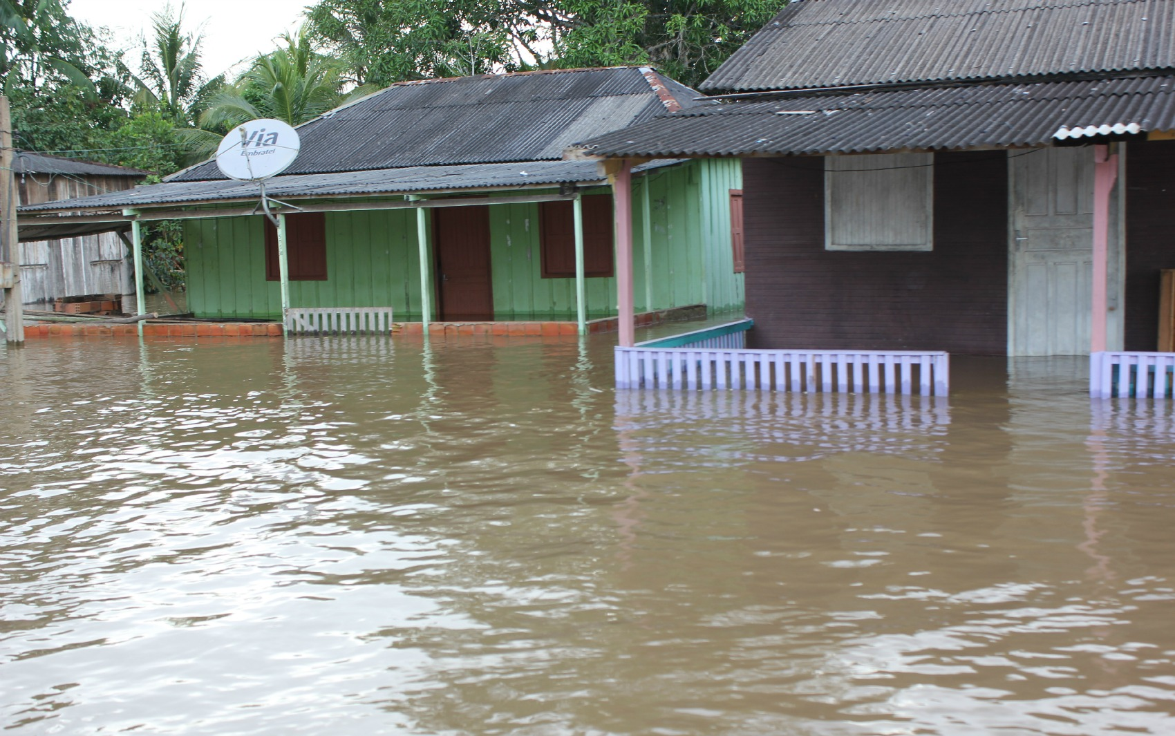 Casas na Comunidade São Sebastião estão inundadas por conta da cheia do Rio Madeira