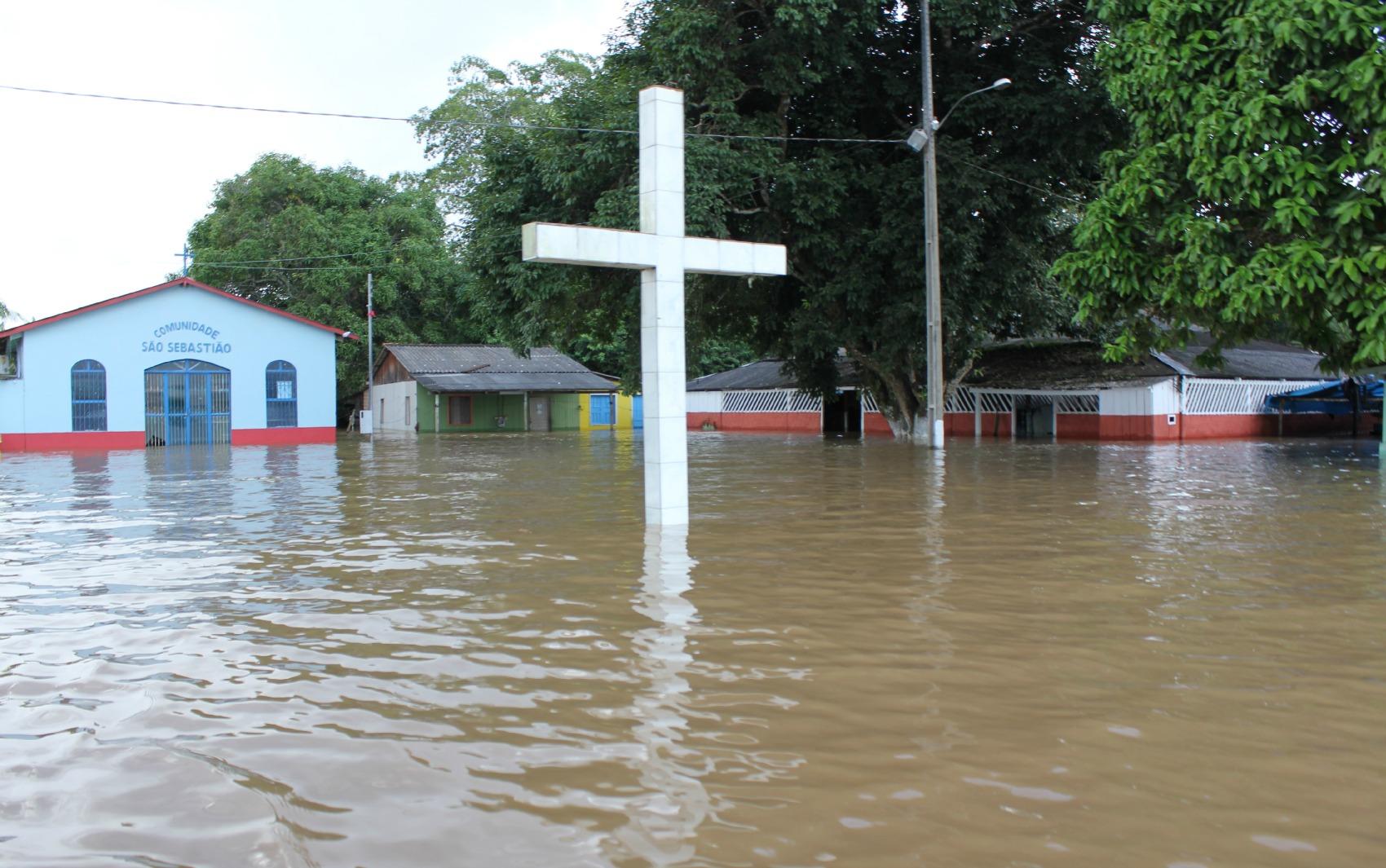 Comunidade São Sebastião foi tomada por água do Rio Madeira