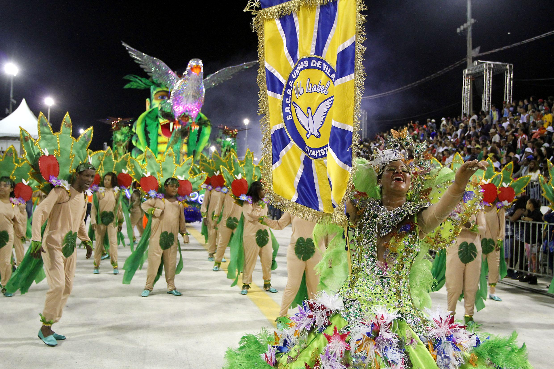 Unidos de Vila Isabel caprichou nas fantasias dos integrantes e alegorias