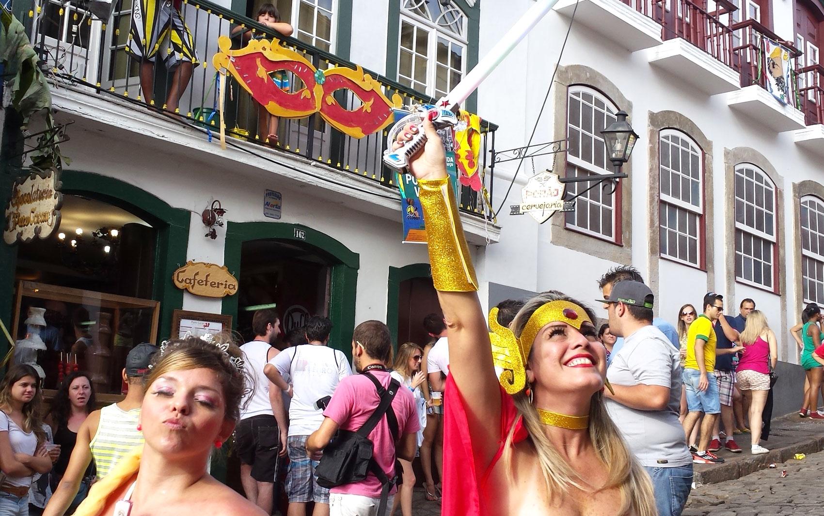 Terça - She-Ra foi passar o carnaval em Ouro Preto. Quem vai encarar???