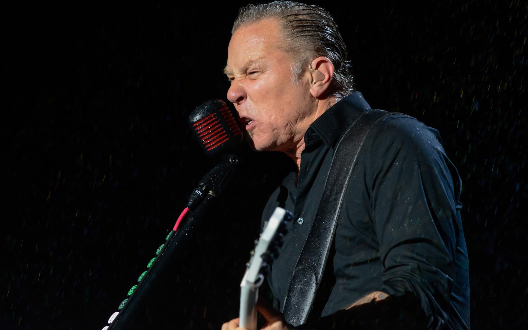 Metallica faz show 'interativo' para 65 mil em SP