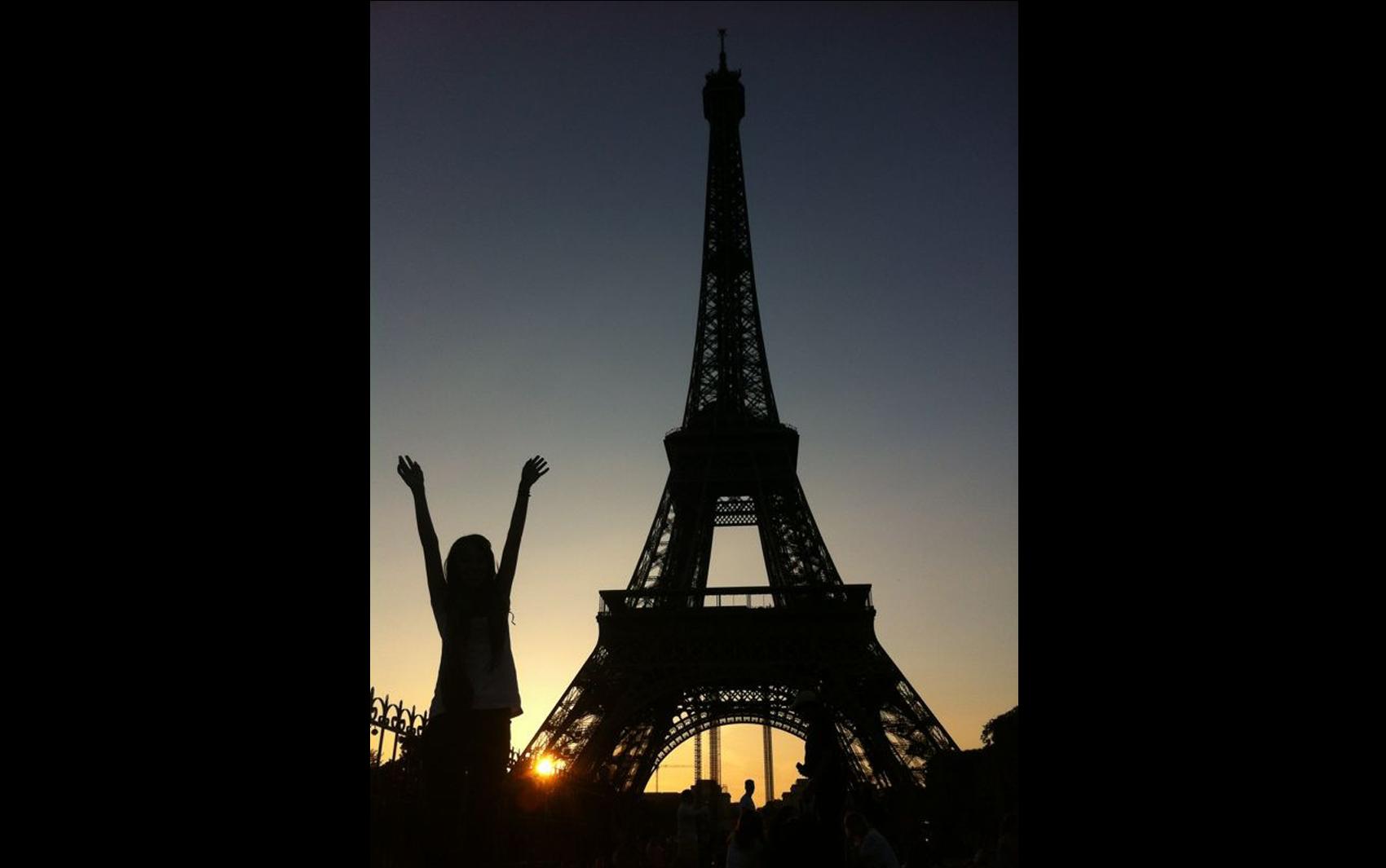 Ana Leão passou um mês viajando pela Europa e em julho de 2013 conheceu Paris junto com sua amiga Gabriela.