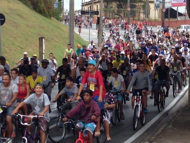 Passeio ciclístico reuniu 6 mil pessoas em Sorocaba (SP)