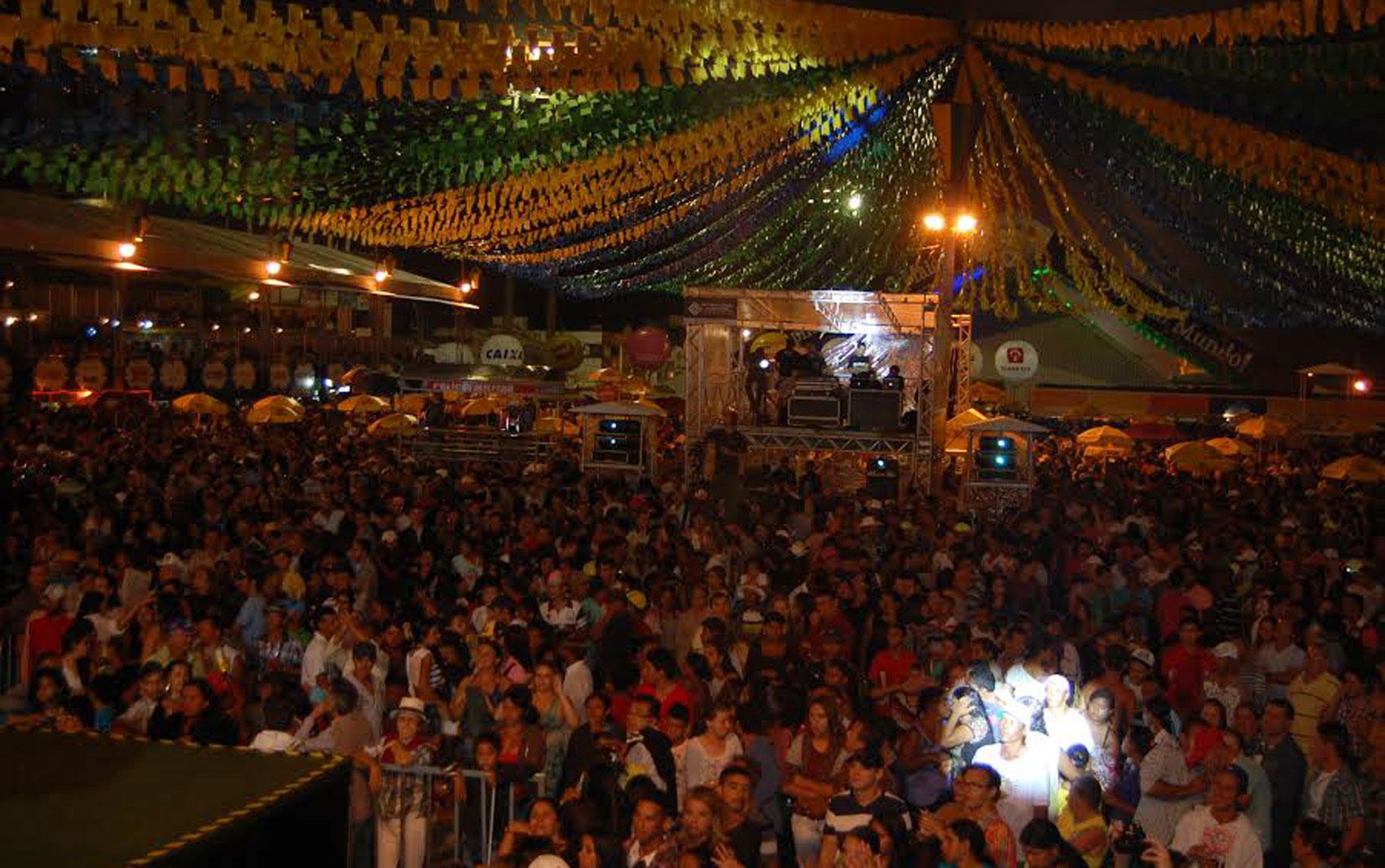 Abertura do Maior São João do Mundo contou com grande presença de público em Campina Grande