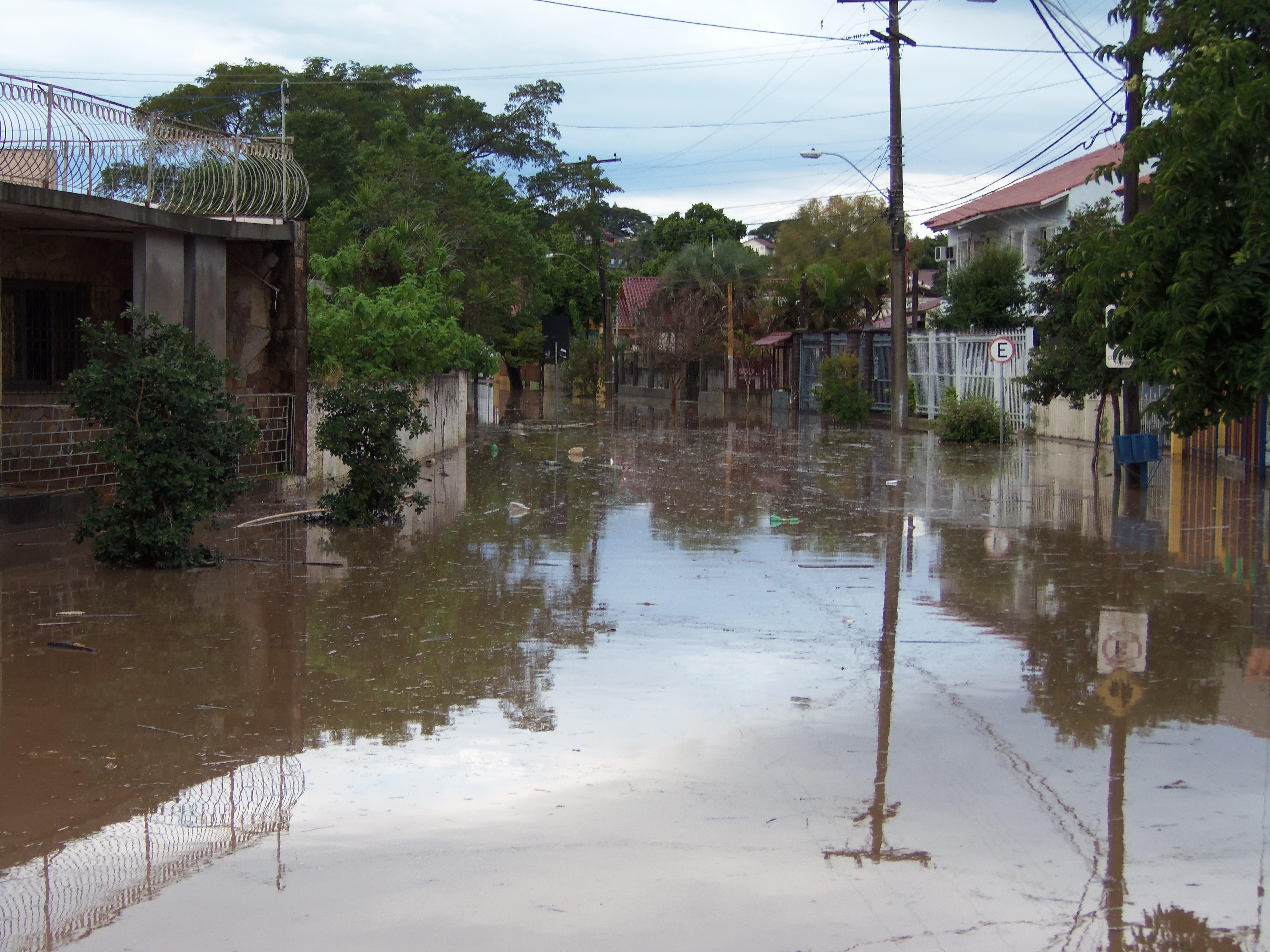 #4C667F  causados pela chuva no RS fotos em Rio Grande do Sul g1 546 Janelas Em Aluminio Em Porto Alegre Rs