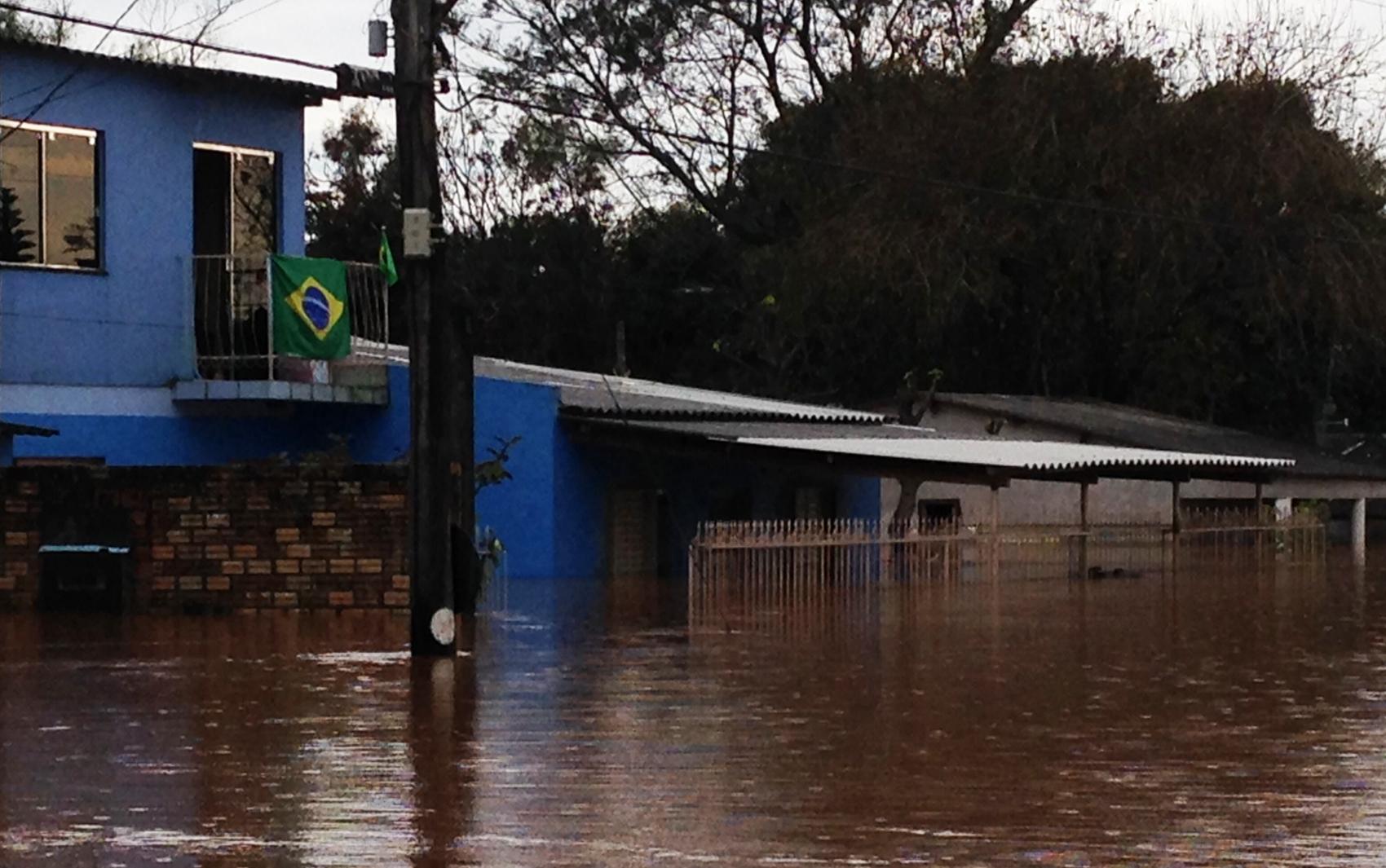 #29436E  causados pela chuva no RS fotos em Rio Grande do Sul g1 546 Janelas Em Aluminio Em Porto Alegre Rs