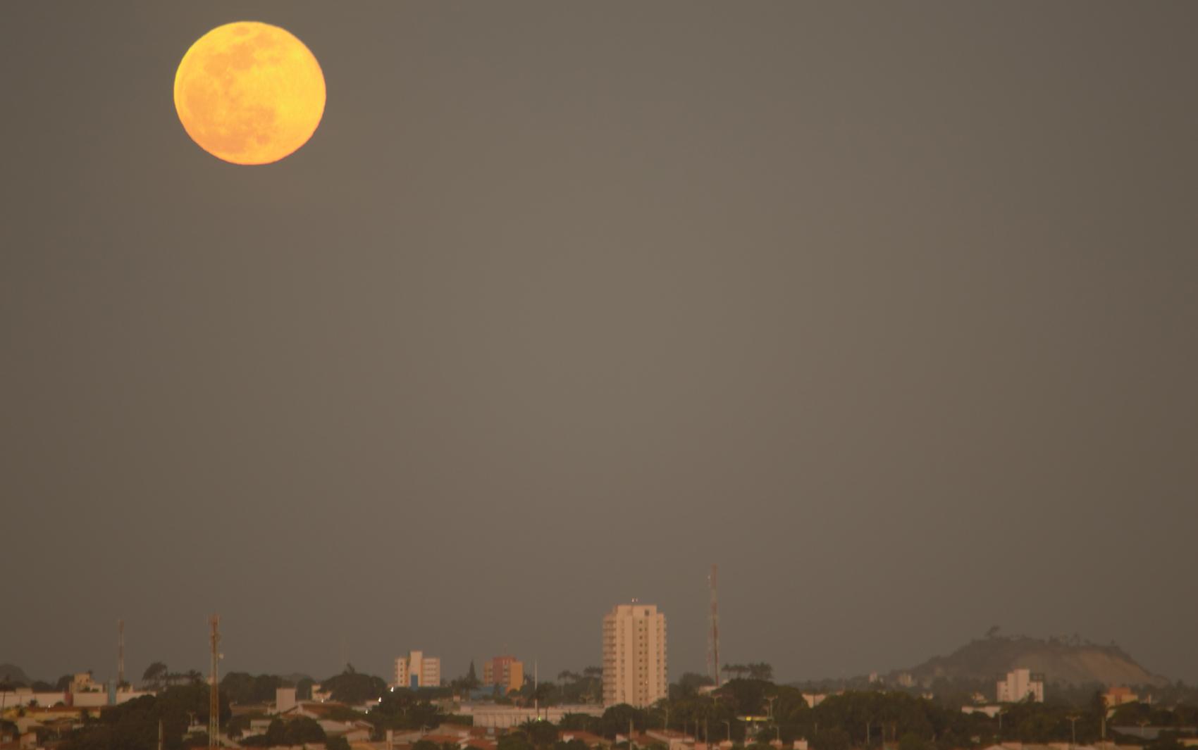 Lua vista em Fortaleza (CE)