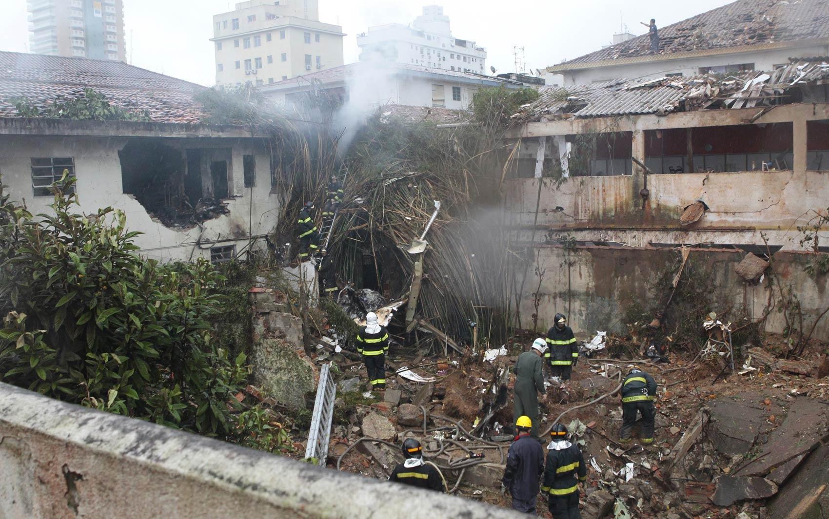 Local da queda do avião que levava Eduardo Campos, em Santos