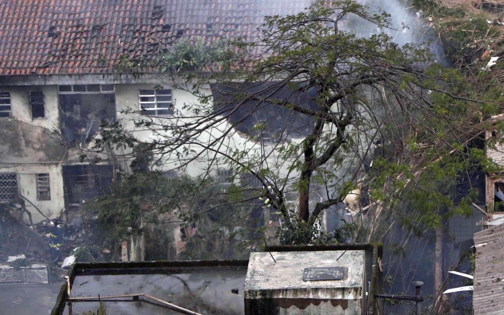 Local da queda do avião que levava Eduardo Campos em Santos