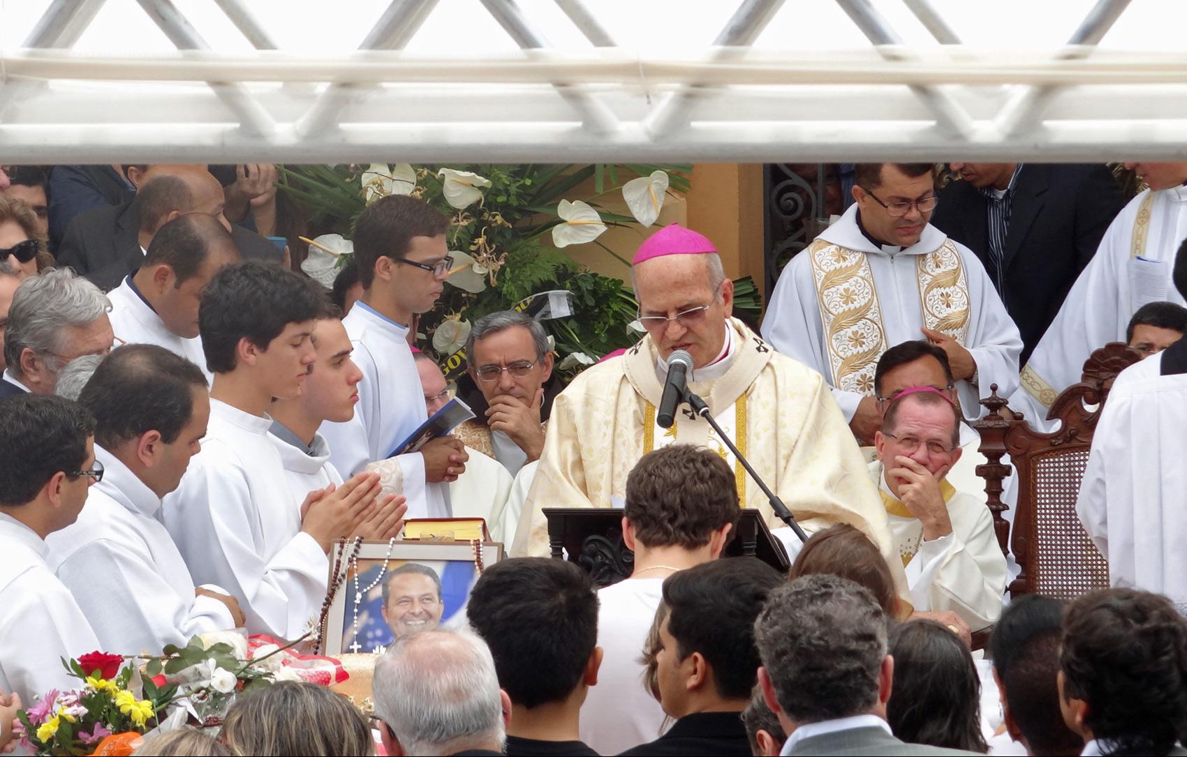 Missão campal no velório de Eduardo Campos, Carlos Percol e Alexandre Severo