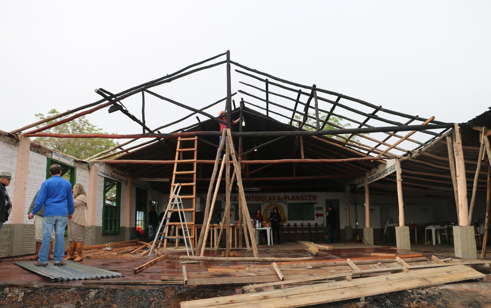 CTG Sentinelas do Planalto começa a ser reconstruído após incêndio.