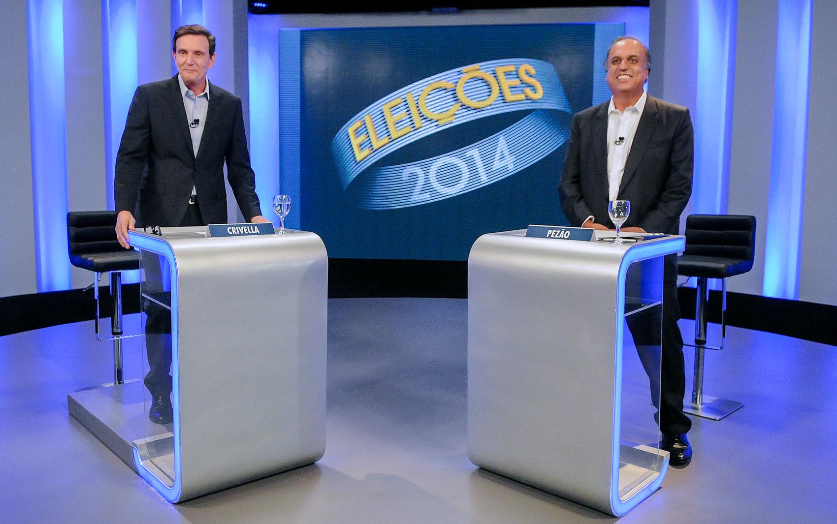 Os candidatos ao governo do Rio de Janeiro Marcelo Crivella (PRB) e Luiz Fernando Pezão (PMDB) durante debate na Central Globo de Produção, no Rio de Janeiro