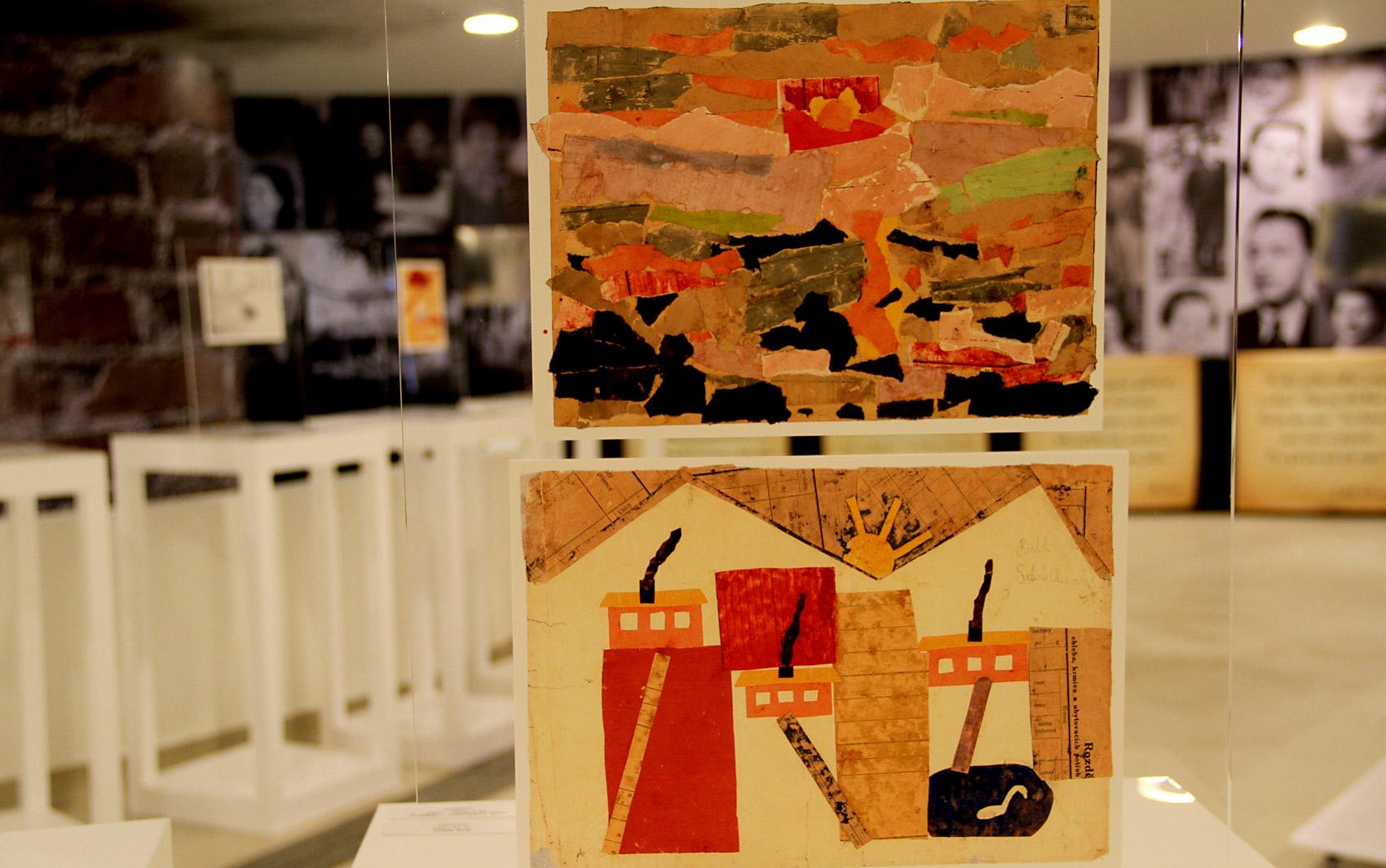 Desenhos em exposição na mostra
