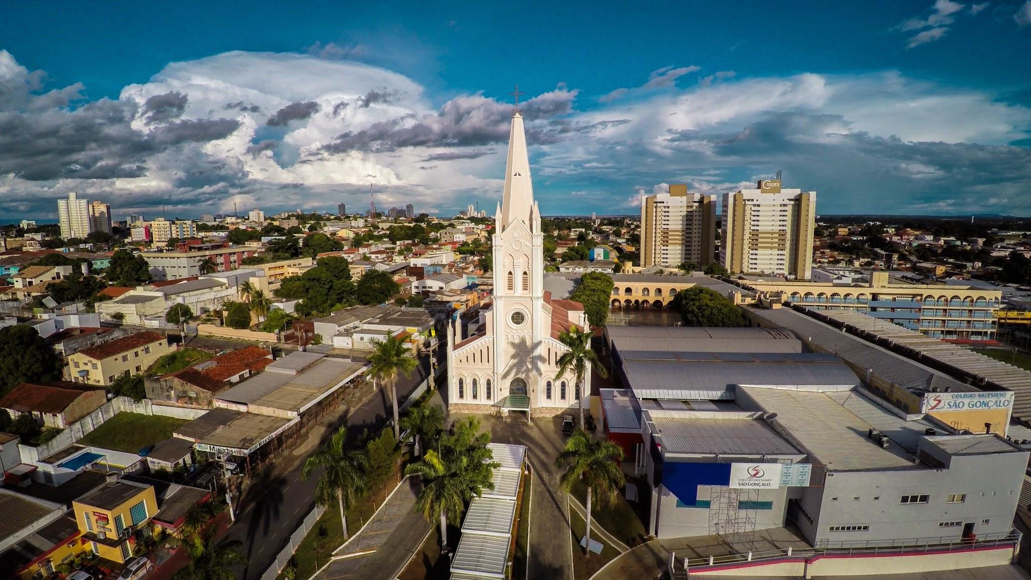 Igreja Nossa Senhora Auxiliadora, na região da Prainha, em Cuiabá.