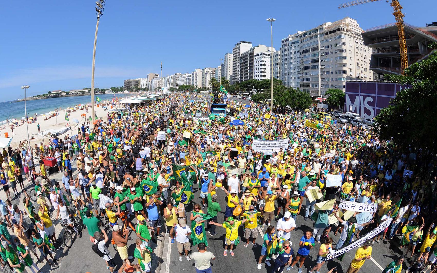 Protesto no Rio foi realizado na praia de Copacabana