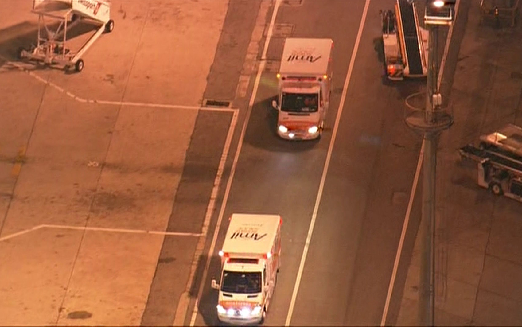 Ambulâncias seguem para o Hospital Albert Einstein